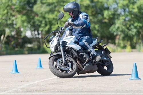 Motorrijbewijspoint Hellevoetsluis motor rijtest